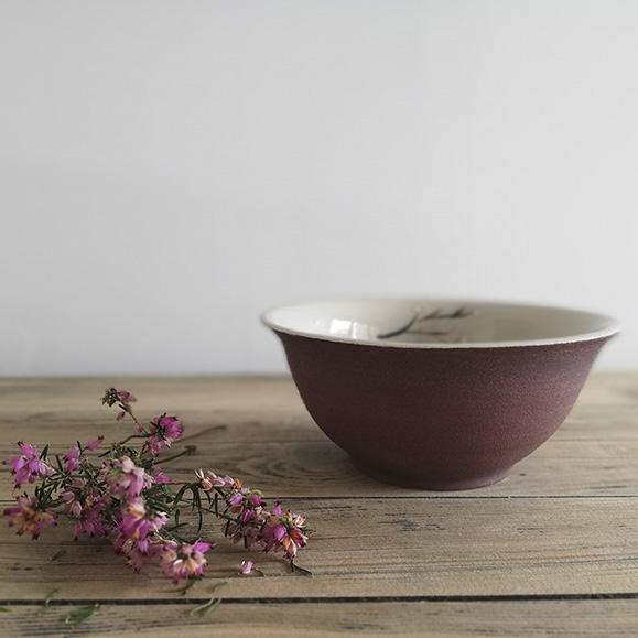 Un bol en céramique de la collection Bruyère par Myriem Verhille céramiste Hauts de France