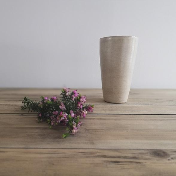 Vase en céramique collection Bruyère par l'atelier céramiste Myriem Verhille