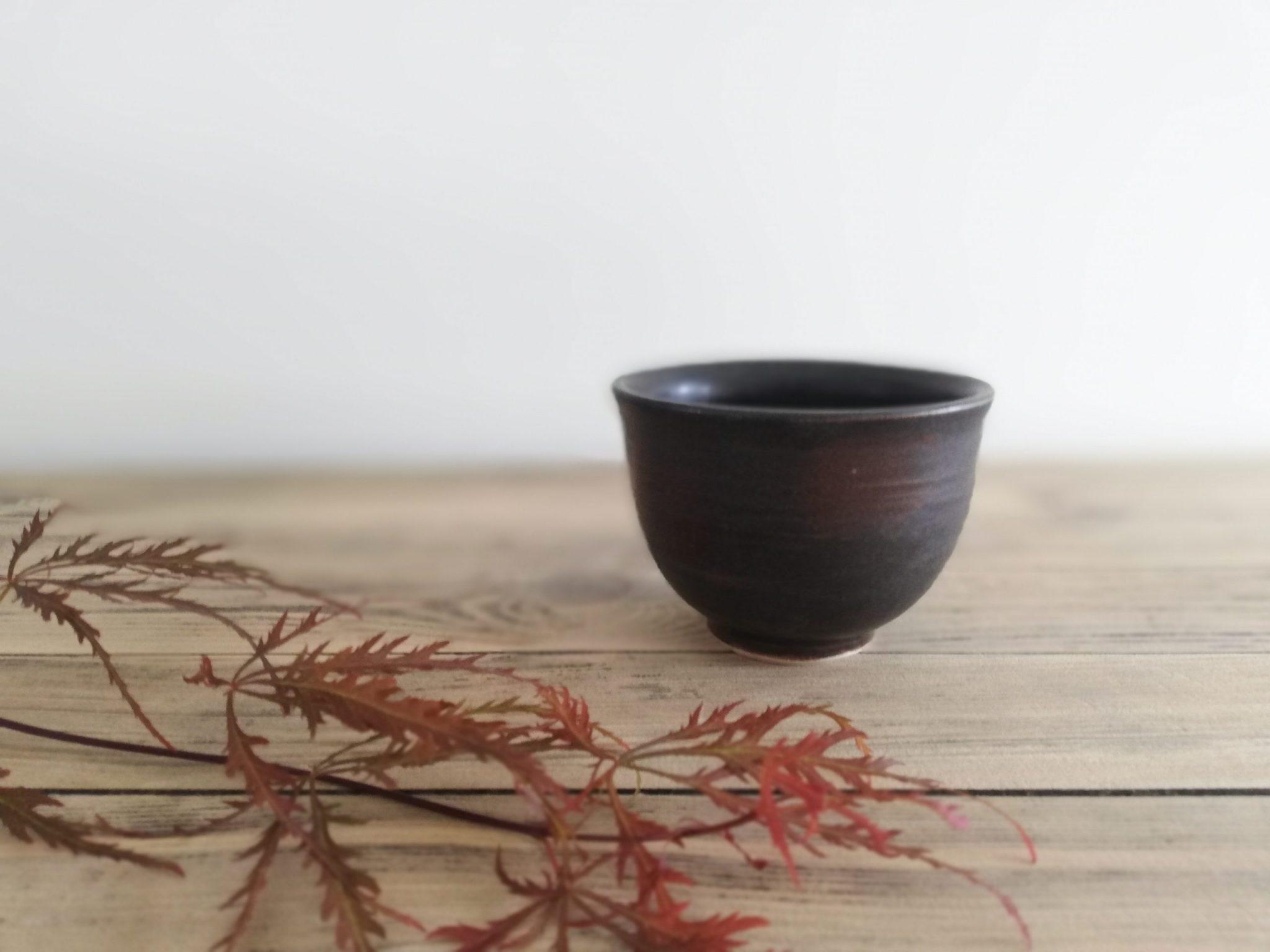 Petit bol à thé en céramique de la collection Sérénité par Myriem Verhille Céramiste
